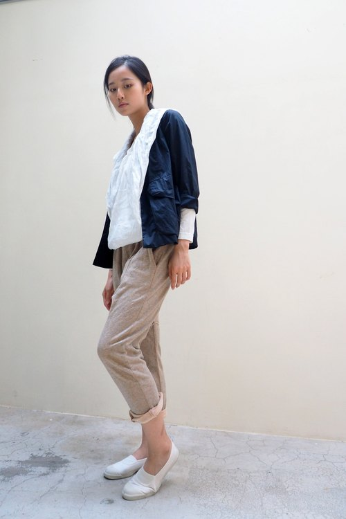 And - unfettered soul - low-grade elastic waist trousers