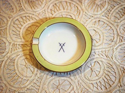 Germany Meissen Meissen porcelains antique light green small-cap / small dish / ashtray