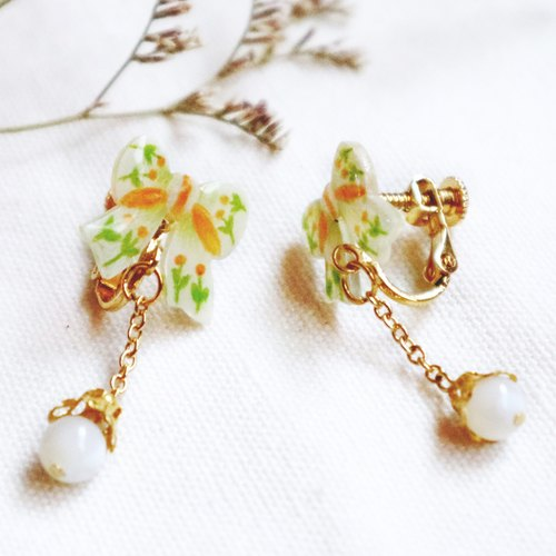 Flower bow earrings