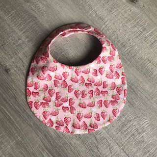 Hand made bib round pocket strawberry blossoming American cloth double yarn saliva towel eat pocket 0~2 years old can be made to pick the palm of the hand
