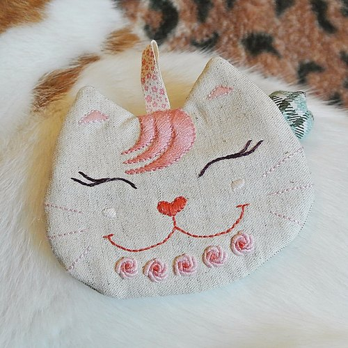 """Mimi eyes smile pink rose cat"" coin purse"