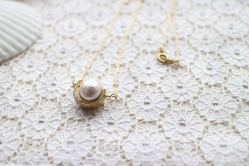 Cotton pearl / brass handmade necklace