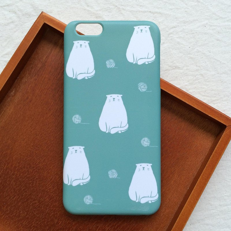 Fat cat with wool ball green mobile phone shell hard shell iPhone Android