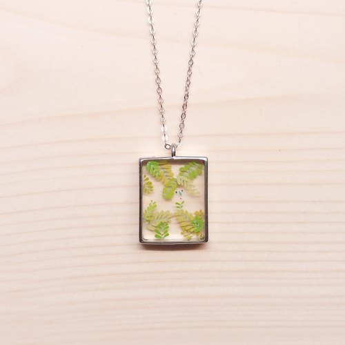 Transparent three-dimensional square painted grass florid shy mimosa necklace necklace