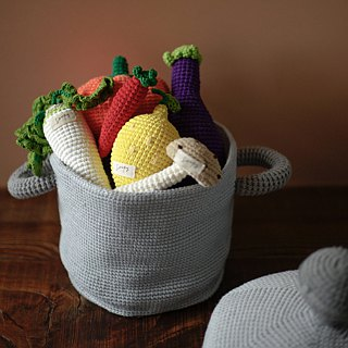 Hand-knitted cotton vegetable pot combination
