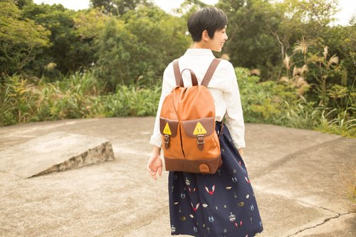 {C arrya L eather P ack} B ag P ack transfiguration mountain girl large backpack - brown coffee ***Hong Kong and Taiwan, the implementation of free transport***