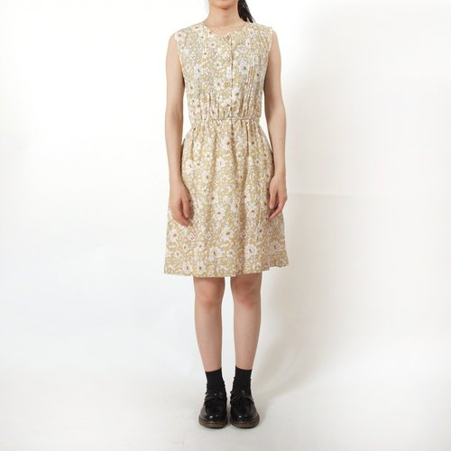 │moderato│ elegant flower garden earth-colored cotton dress vintage retro │ Forest. England. Young artists