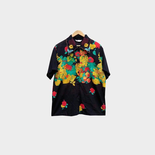 Ancient black embroidery flower short sleeve shirt