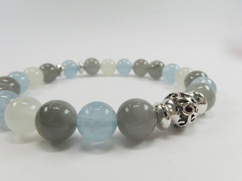 """Sailing"" - Advanced natural aquamarine crystal blue hair + + moonstone silver bracelets original design in Hong Kong"