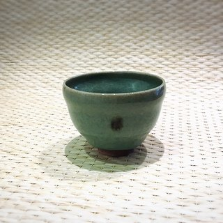 Teacher Xiao Hongcheng made a curved cup