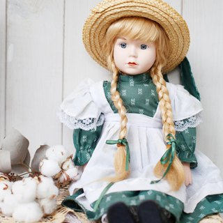 [Good day fetish] Germany vintage ceramic twist small niece doll