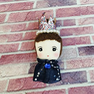 Handmade brooch- Elegant girl with Crown