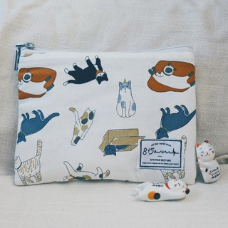 Cat bag/cosmetic bag for playing together | 815a.m