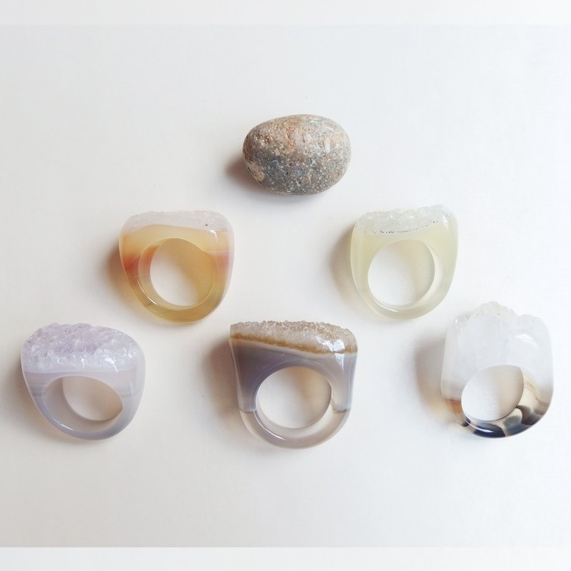 Free Shipping Worldwide : 100% nature agate ring - Earth tone Color - non adjustable // usable for decoration
