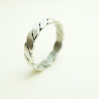 【janvierMade】Twisted Newman Sterling Silver Ring / Handmade Newman Ring / 925 Sterling Silver