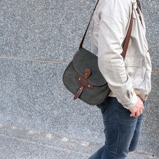 Simple and professional staff for washing paraffin canvas Messenger Made in Japan by SUOLO