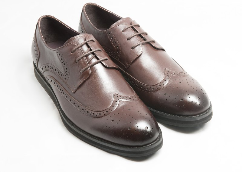 Hand-painted calfskin wing carved casual Derby shoes - brown - free shipping - E2A22-89