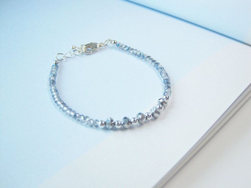 Clear Blue / Metal Silver Bracelet
