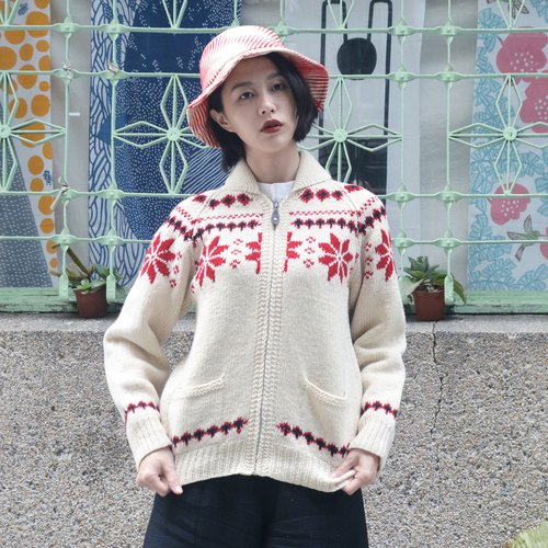 Nordic snow | vintage sweater coat