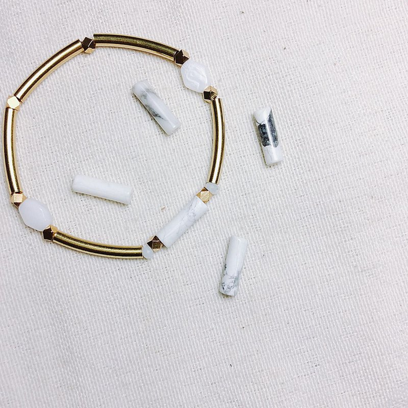 // white grain natural stone brass bracelet // vb019