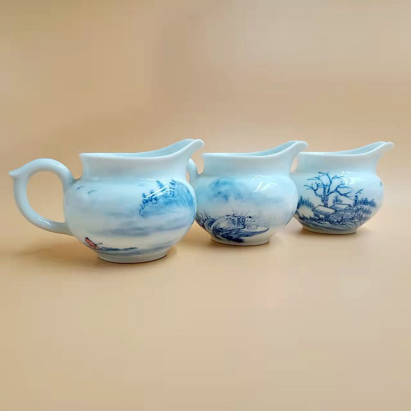 Blue and white | have capacity tea cup (small)