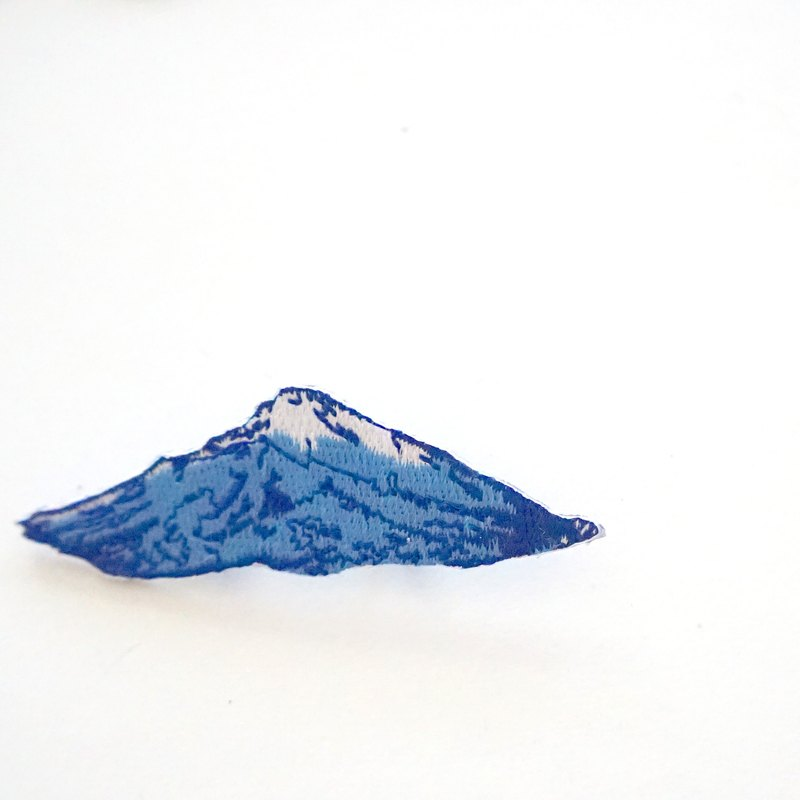 Blue mountain edge embroidery pin / patch