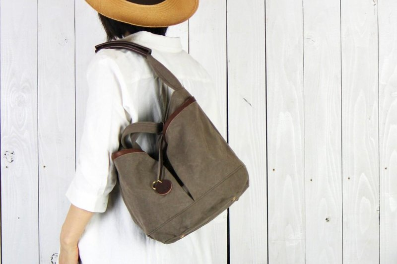garden: backet · Olive tanning dye canvas × leather bucket bag