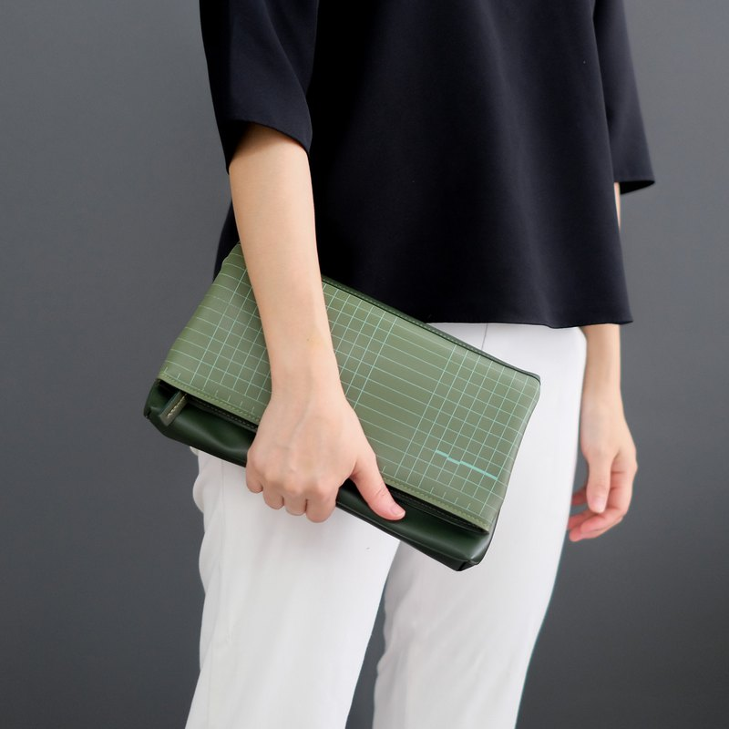 HER Clutchbag - FOREST GREEN-GREEN #CUTTINGMAT