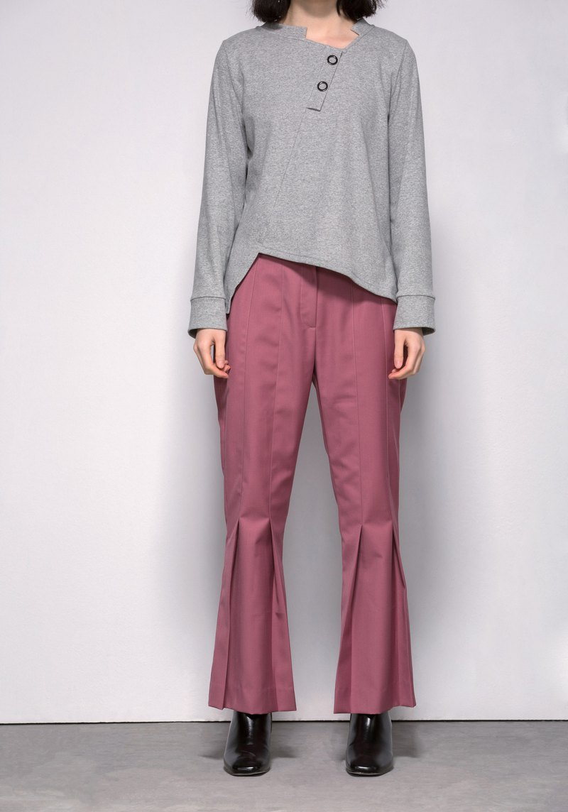 Pleated flare trousers in pink