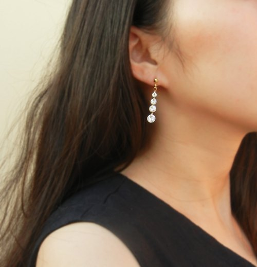 *Coupoubird*Gradient water droplets flash drill earrings