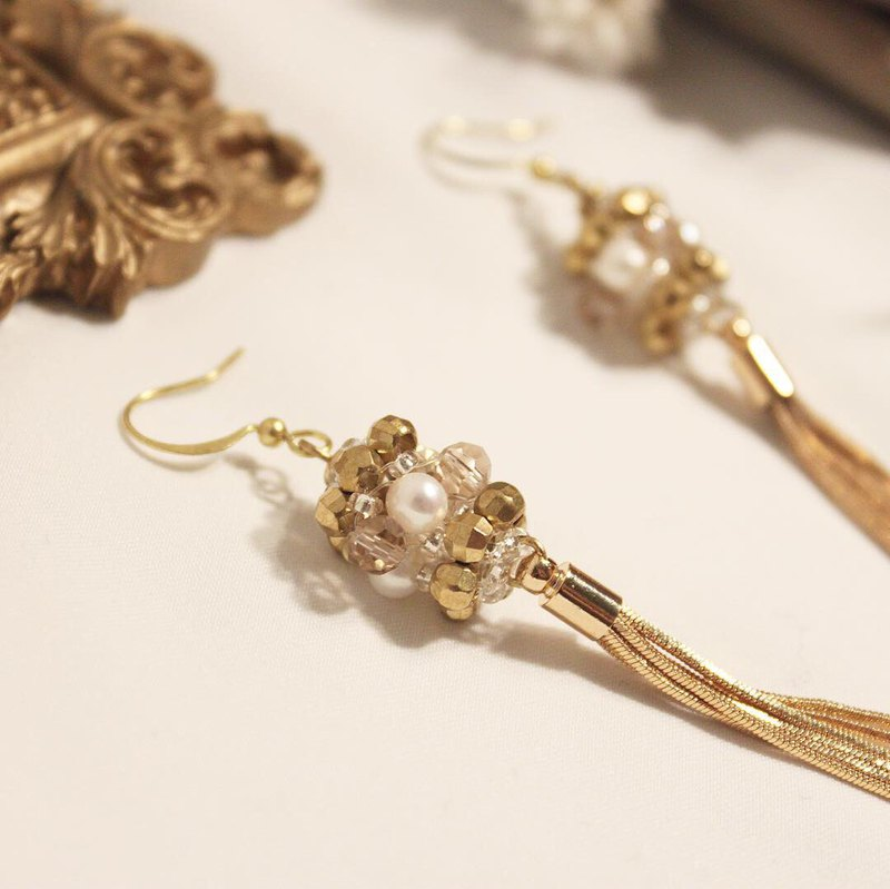 Flower Series Laburnum Brass Earrings Freshwater Pearl Glass Crystal Copper Plated 14K Gold Snake Bone Chain