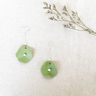 Handmade Clay Lotus Leaf with Pearl Earring - Grass Green