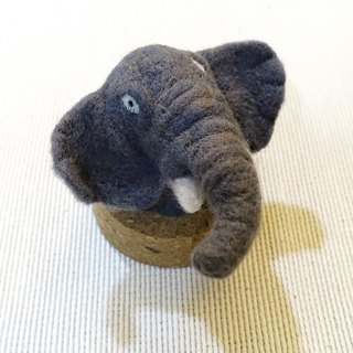 (Customer order, please do not place an order) Coral animal wool felt - cork ornaments - African buffalo, African elephant