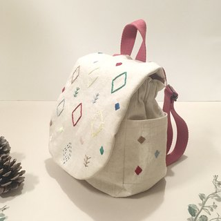 Baby backpack of embroidery