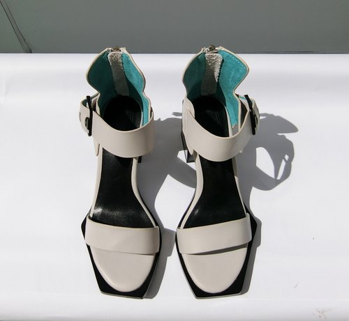 Painting # 8059 || calfskin with open toe shoes perfect interpretation of modernist geometry minimalist gray ||