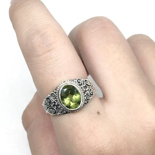 Peridot 925 sterling silver heavy-duty engraving ring Nepal handmade mosaic production (style 1)