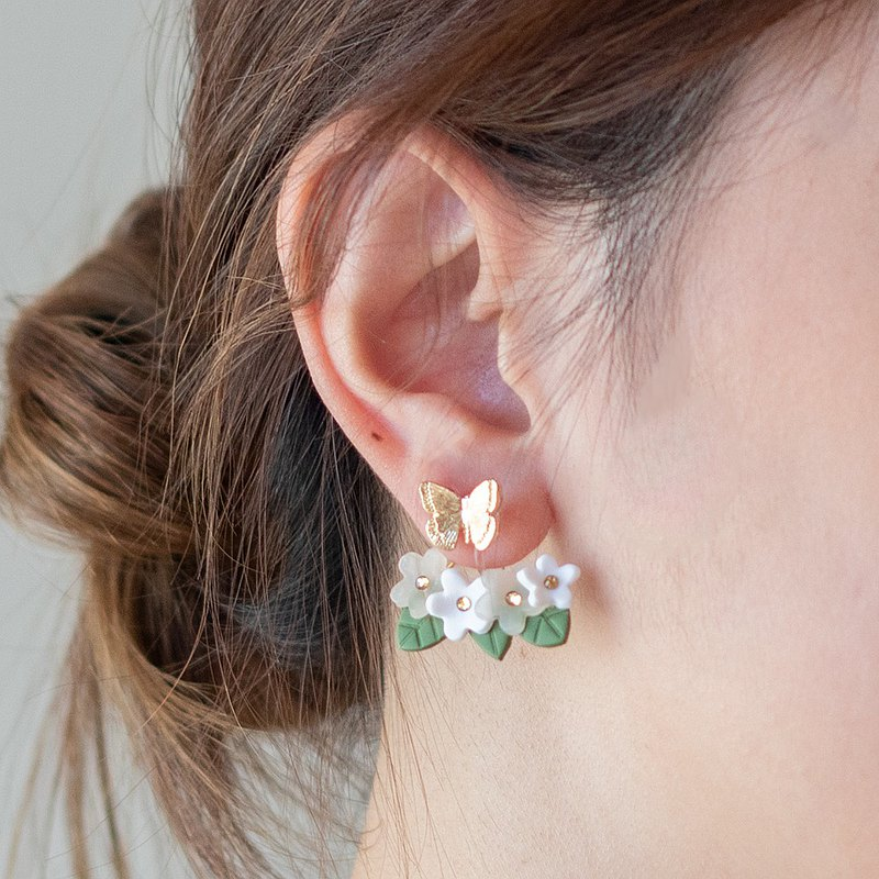 Flower field catch earrings / earrings