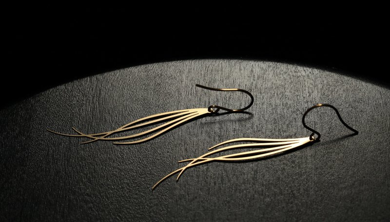 金微風耳環 Breeze Earrings (Gold)