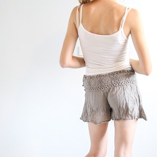 Knitted Belt Gray Shorts