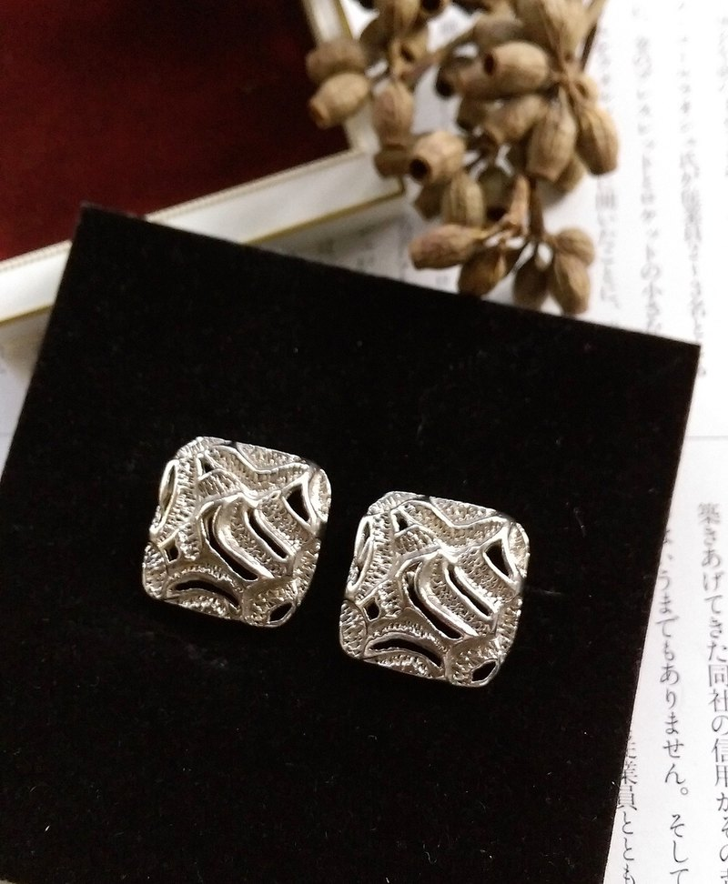 [Western antique jewelry / old age] 1970s silver tone cosmic needle earrings