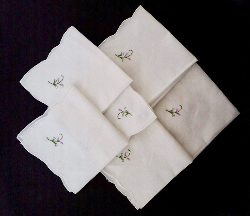 Plain white square embroidered purple small napkins for sale