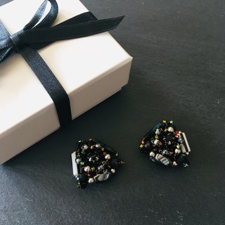 Black pierced earrings 〜with black leather〜