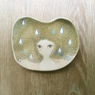 ┇eyesQu ┇ hand pinch small pot dish ┇ rainy day