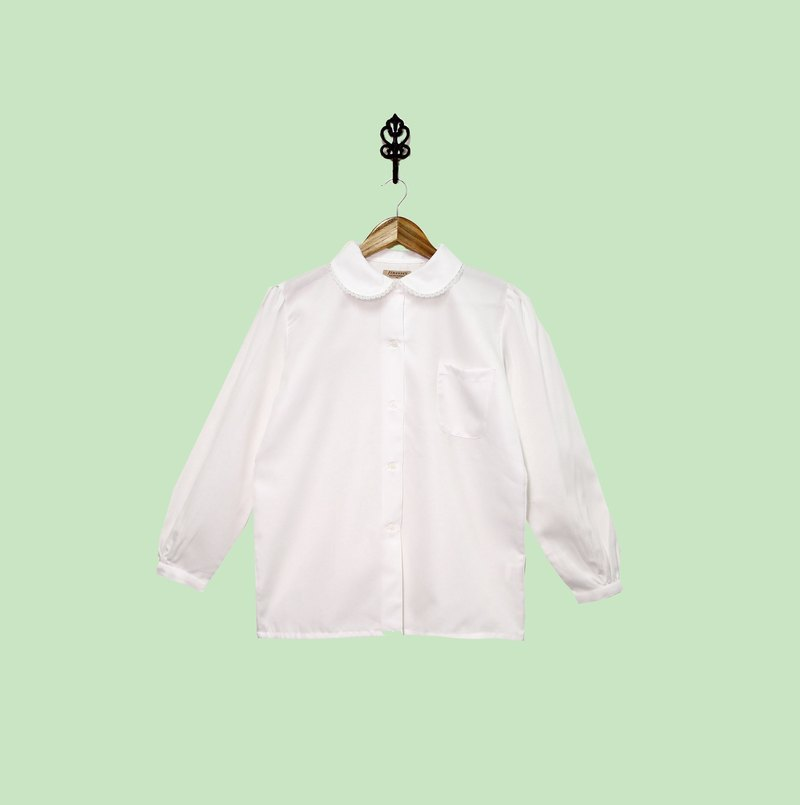 Back to Green :: Japanese fine white silk shirt collar doll collar classic single vintage pocket