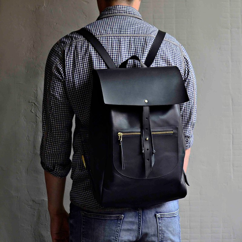 [Inner heart rich night return] calfskin backpack black tanned leather travel abroad adjustable length