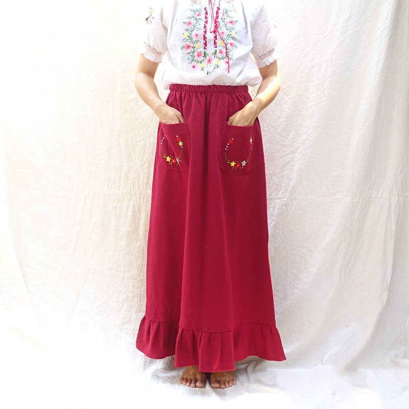 BajuTua / vintage / European style romantic wine red embroidered dress