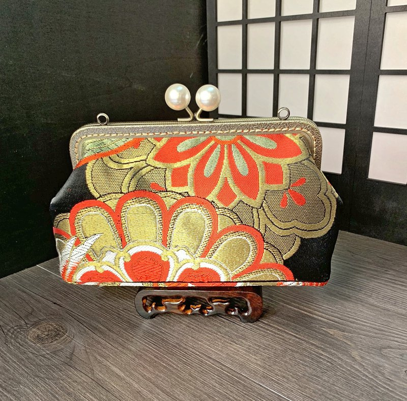 Kisslock handbag with Second handed Kimono Obi
