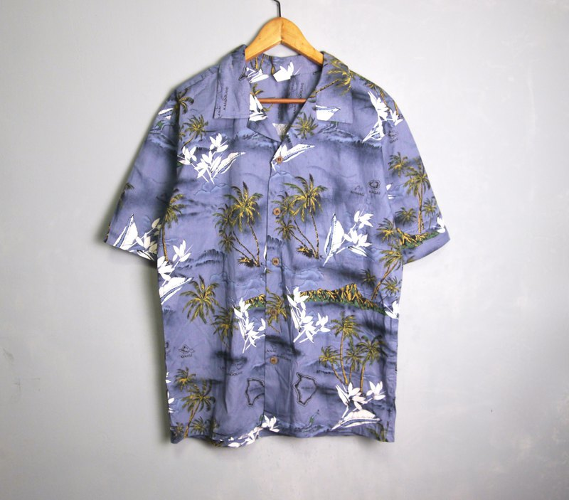 FOAK vintage sea blue island map Hawaii shirt