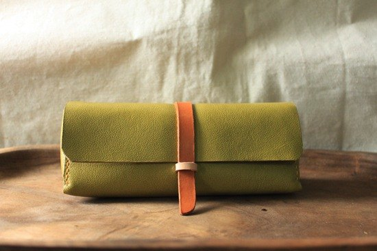 Dream brand - personality mustard green retro pure leather glasses case / pencil case - can be lettering