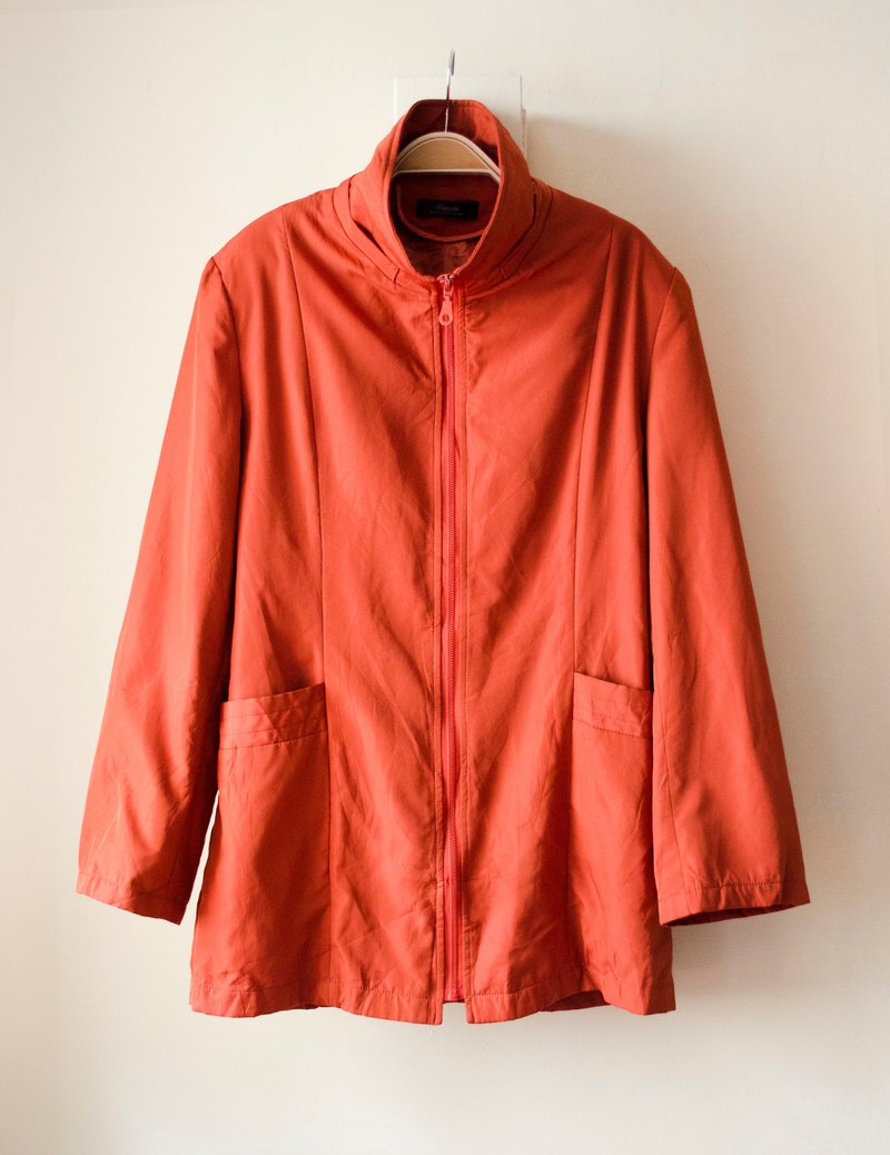 Orange red. Plain minimalist windbreaker light collar # Vintage # Vintage # Guan Er